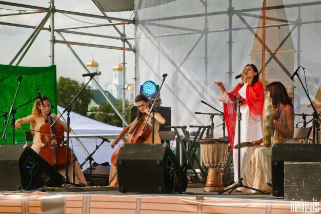 Владимир Тарасов. С группой Море Горячее на фестивале Живая вода в Новосибирске1 (Копировать)